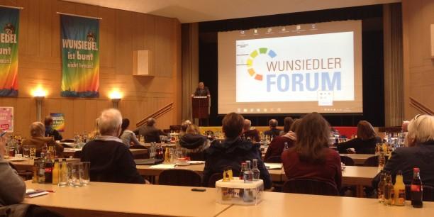 Karl-Willi Beck, Erster Bürgermeister der Stadt Wunsiedel, spricht das Abschlusswort. Foto: (c) Jan Grooten