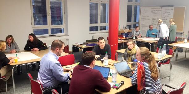 Bei der Jahreskonferenz in Hamburg tauschten sich die Kolleginnen und Kollegen der et über aktuelle Themen der Jugendbildung und gemeinsame Vorhaben aus. Foto: © EAT