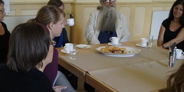 Im World Café diskutierten Akteure der Friedlichen Revolution in Erfurt mit Studierenden über parallele Fragestellungen zwischen 1989 und 2019. ©Kathrin Schwarz, STIFTUNG ETTERSBERG