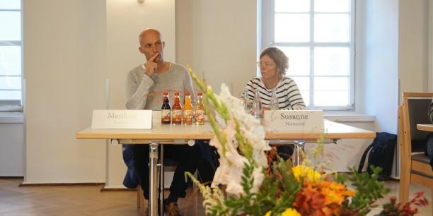 Susanne Niemeyer und Matthias Lemme, beide aus Hamburg, leiteten die Arbeitseinheiten an. Foto: © EAT