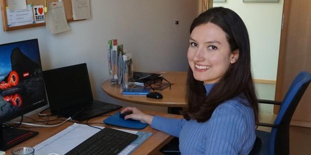 Auch wenn derzeit die Arbeitstage im Home Office überwiegen, konnte Sibylle Wuttke ihr Büro in Neudietendorf bereits beziehen. Foto: © Zubarik/EAT