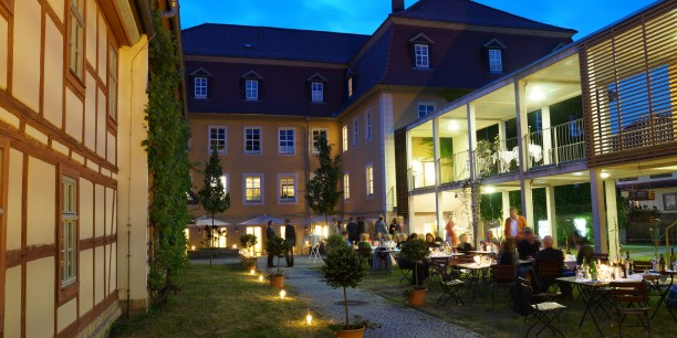 Sommerfest im Garten des Zinzendorfhauses.