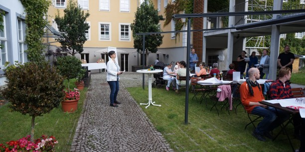 Pfarrerin Angelika Hundertmark von der Regionalen Studienleitung der EKM gestaltete die Andacht. Foto: © Wuttke/EAT