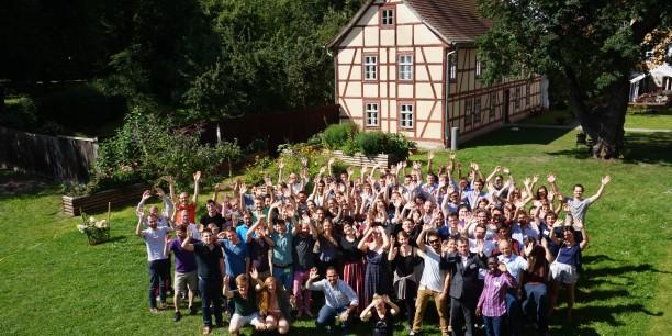 Das Gelände des Zinzendorfhauses bietet die perfekte Umgebung für die Sommerakademie. © Annekathrin Härter