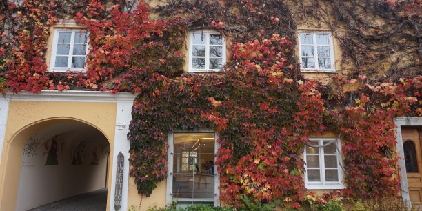 Ansicht des Gästehauses der Evangelischen Akademie Tutzing in Bayern. Foto: ©Annekathrin Härter