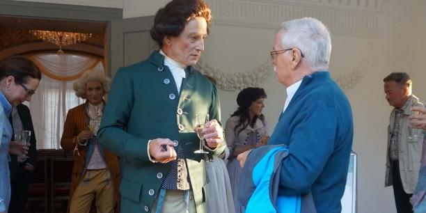 Nach der Vorführung gab es die Möglichkeit, mit den Darstellerinnen und Darstellern des Stücks ins Gespräch zu kommen. Foto: ©EAT