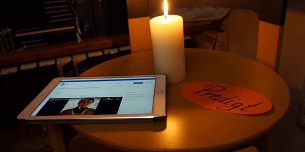 Predigt on demand: mit dem Smartphone oder dem Tablet jederzeit möglich! Foto: © EAT