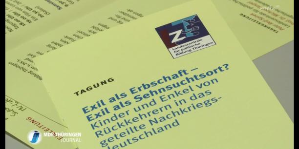 """Etwa 60 TeilnehmerInnen waren gekommen, um mit den ReferentInnen über die Themen """"Exil, Flucht, Heimat und Identität"""" zu sprechen. Screenshot, mdr Thüringen Journal, 3.2.17"""