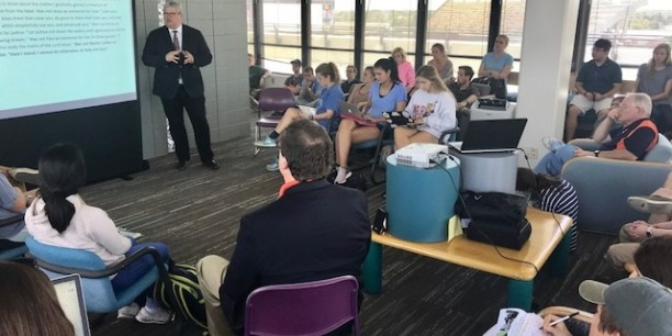 Akademieprofessor Prof. Dr. Michael Haspel während eines Vortrags an der Universtity of Auburn. Foto: ©John Wilson