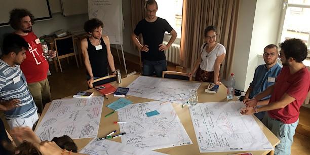 Zum Abschluss der Sommerakademie präsentierten die Arbeitsgruppen gegenseitig ihre neuen Erkenntnisse sowie die Ergebnisse ihrer Diskussionen. Foto: ©Holger Lemme/ EAT