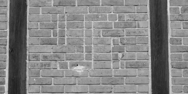 Unkenntlich gemachtes Hakenkreuz an der Mauer der Lutherkirche Wellingsbüttel. Foto: © Mechthild Wilhelmi