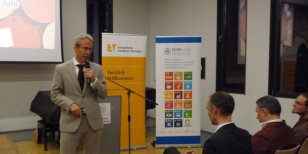 Dr. Michael Kopatz betonte die Notwendigkeit von gesellschaftlichen Normen und Standards, den Ökoroutinen, um die nachhaltige Wende zu schaffen. Foto: © EAT.