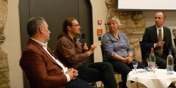 Mit rund 50 Gästen diskutierten Heiko Rittweger, Uwe Flurschütz und Anett Kulka-Panek (v.l.n.r.) aus Erfurt über konkrete Schritte für mehr Nachhaltigkeit. Foto: © EAT.