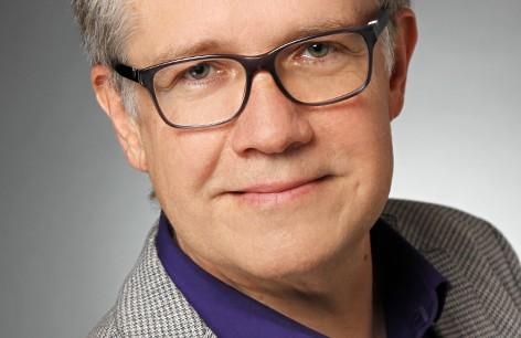 Herzlich Willkommen an der Evangelischen Akademie Thüringen: Pfarrer Dr. Sebastian Kranich tritt am 1. Oktober 2018 seinen Dienst als Akademiedirektor an. Foto: (c) Gottstein Photographie, Halle.
