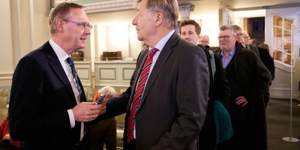 Seit 2006 leitet Dr. Rüdiger Sachau (links im Bild) als Direktor die Evangelische Akademie zu Berlin. Foto: (c) Andreas Schoelzel